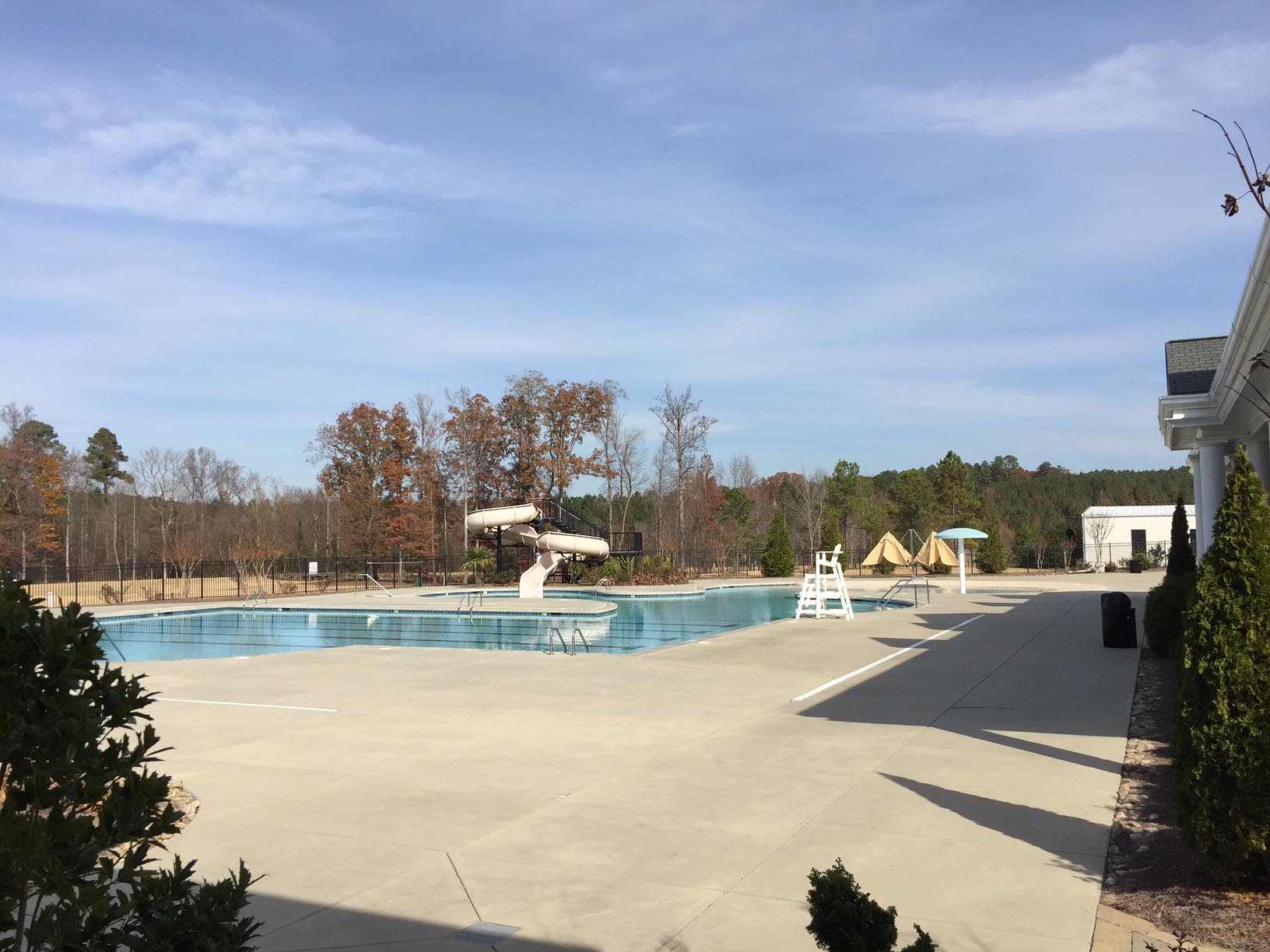 12 oaks holly springs amenities