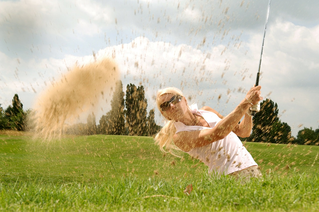 female golfer at a course